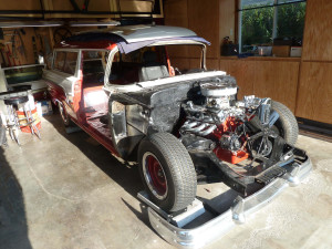 When working space is tight, it is very important that everything is kept orderly and clean. That?s how T runs his garage. Ford?s two-door Ranch Wagon predated and antedated Chevy?s Nomad, being built from 1952 until 1961.
